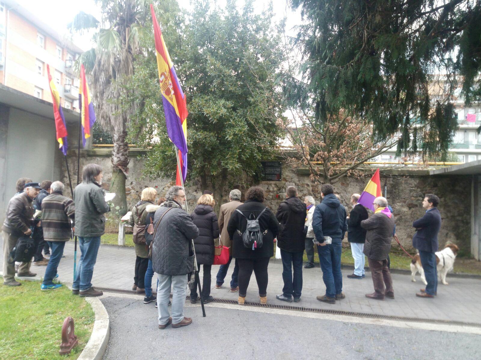 Participación de miembros del EPK en Homenaje a la I República en Derio (Bizkaia) el 11/02/2017