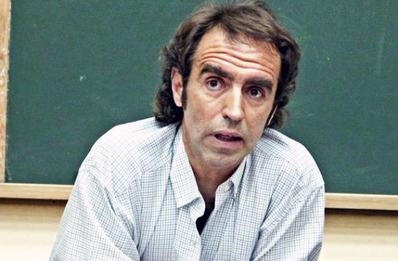 Comienza la quincena Roja con la charla del profesor Xabier Arrizabalo «Capitalismo y Economía mundial»