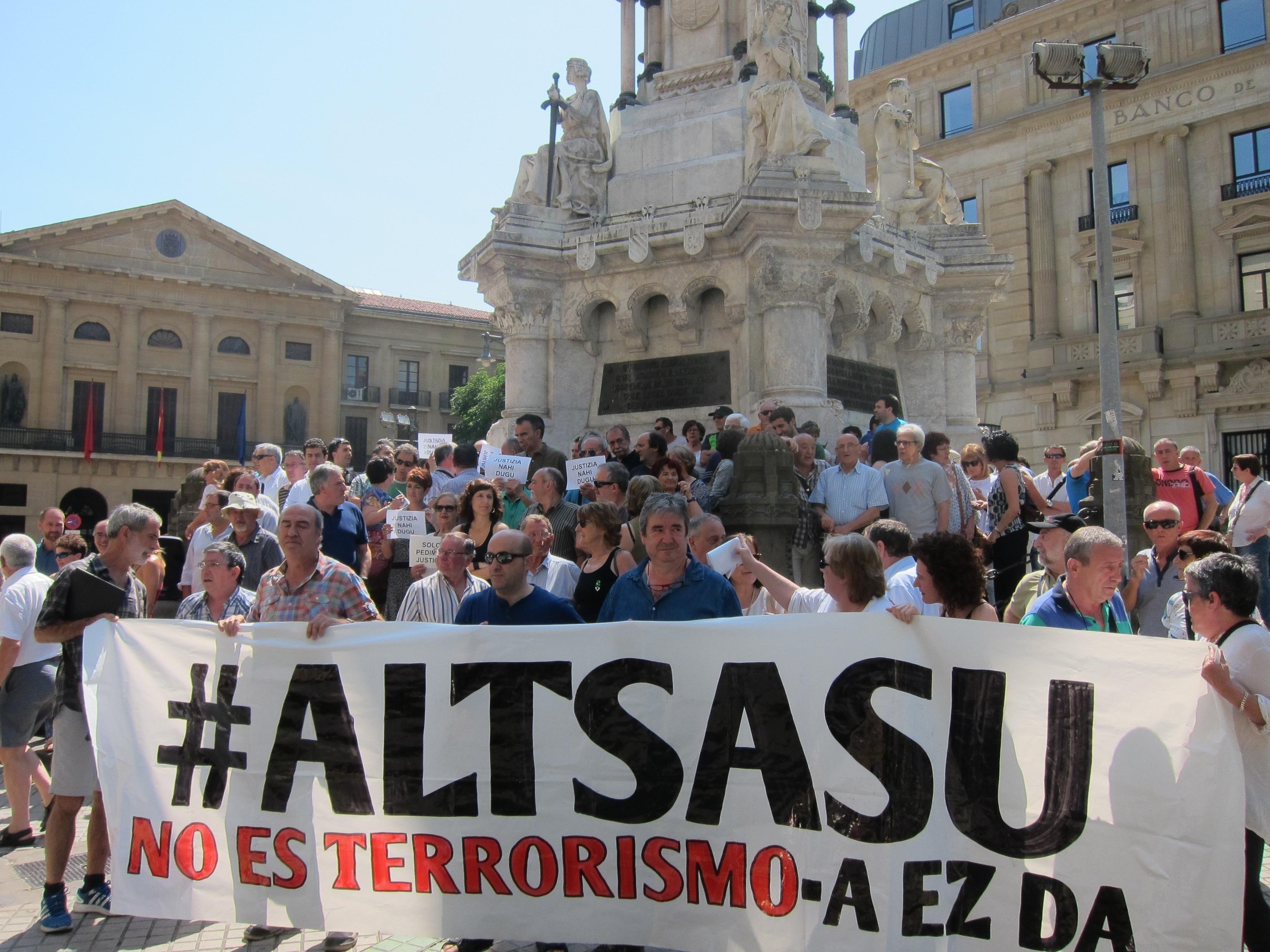 Rechazo ante la desproporcionada petición de 50 años de prisión para los acusados por la trifulca en Altsasu.