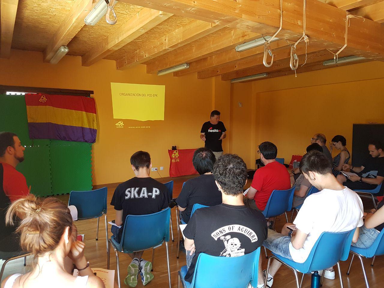 Finaliza la Escuela de Formación de Verano del PCE-EPK