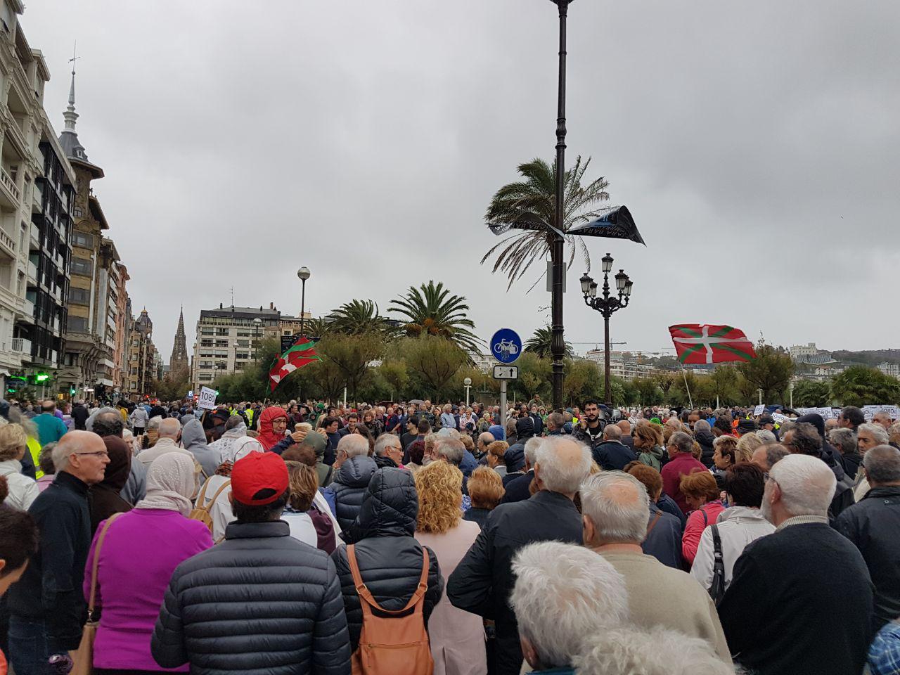 Miles de personas vuelven a llenar las calles en defensa de las pensiones públicas dignas.
