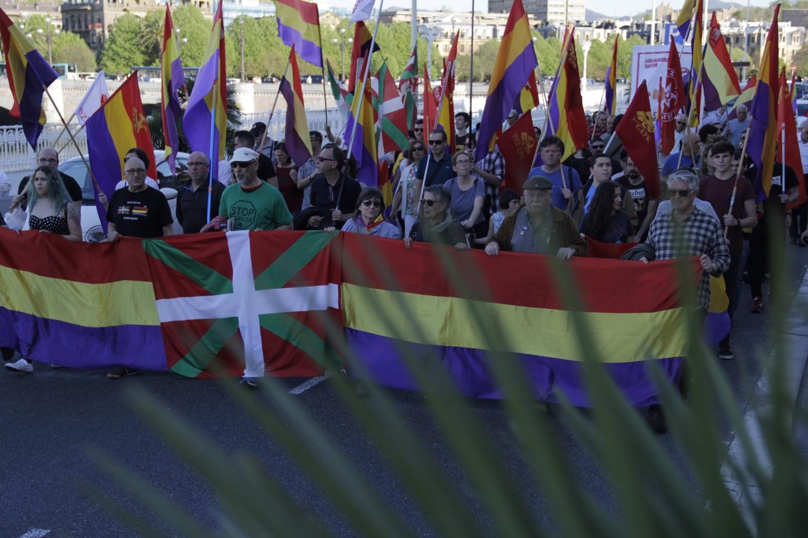 El Partido Comunista de Euskadi-EPK reivindica la III República ante la visita de los Reyes a Euskadi y pide que se investigue y procese a Juan Carlos De Borbón.