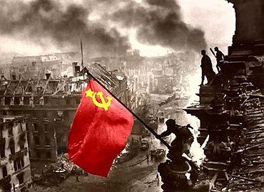 No a la equiparación del comunismo con el fascismo: sin antifascismo no hay democracia!