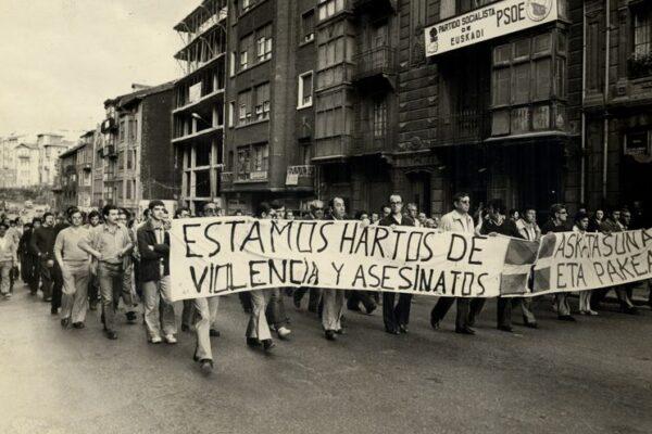 El Partido Comunista ante los diez años pasados tras el abandono de las armas por parte de ETA.