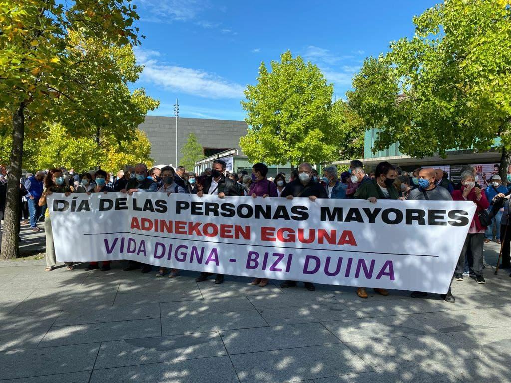 Movilización en defensa de las pensiones públicas en Pamplona.